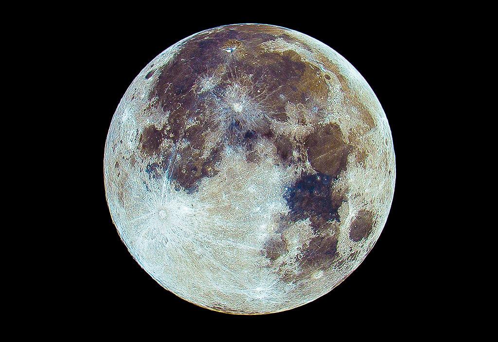 Fuldmåne i farve